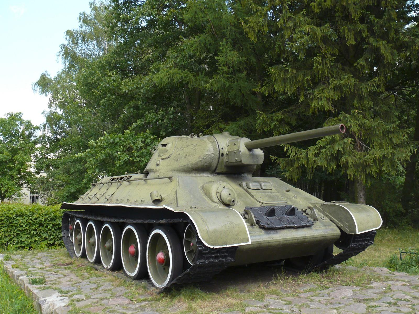 Обои на рабочий стол танки 18 05 2009